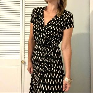 Lulu's Shapes Travel Maxi Wrap Dress